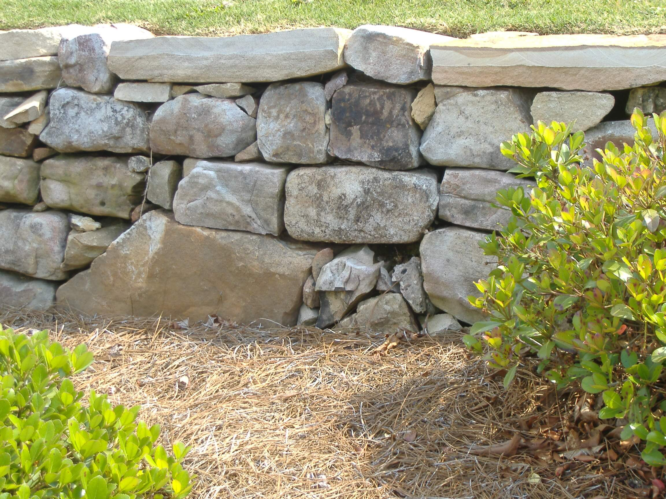 Dry Stack Fieldstone Retaining Wall : Dry stack